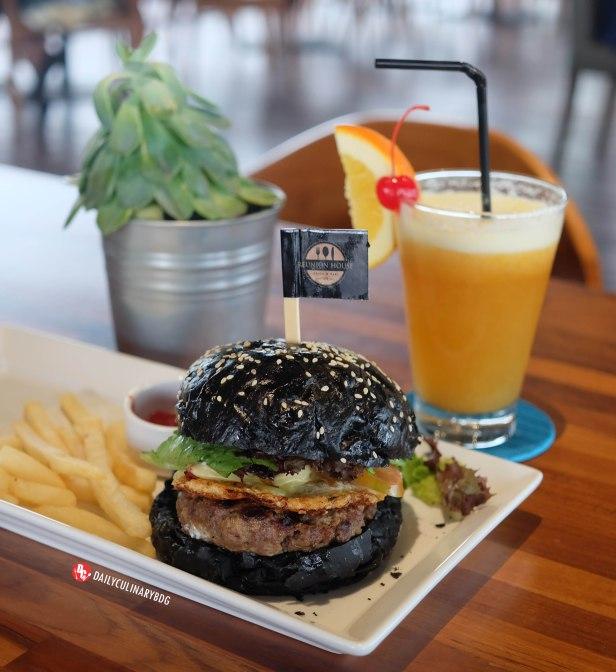 ReunionHouse_Cafe_Bandung (9)