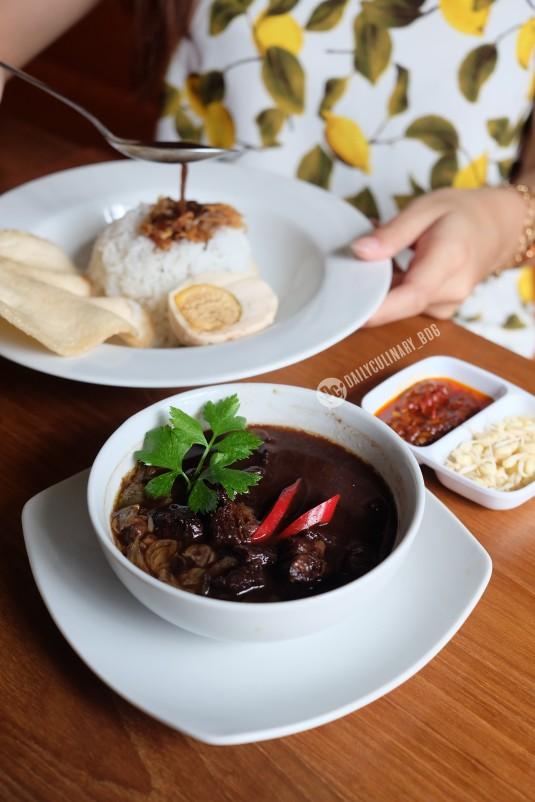 NyTjoan_Bandung_Restoran (19)